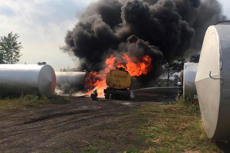 Автоцистерна с горючим загорелась в Северном Казахстане