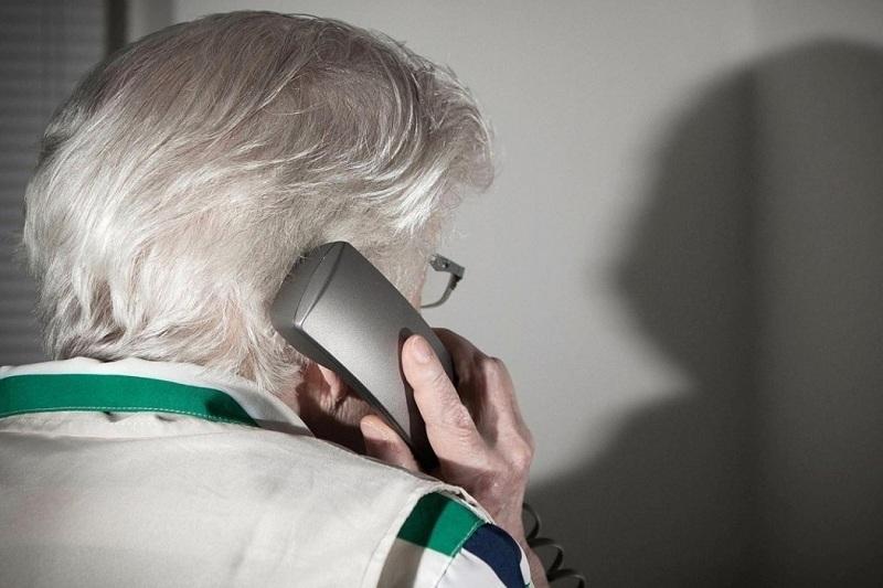Телефонный мошенник обманул пенсионерку в Акмолинской области