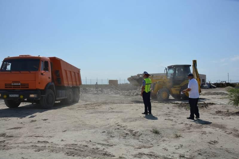 Полицейские Атырау помогли в строительстве деревни для особенных детей