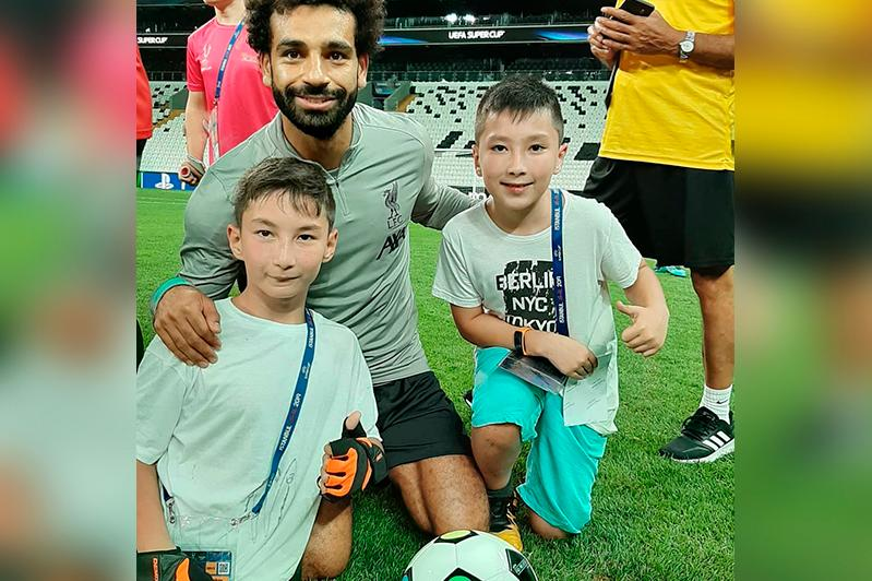 Dreams coming true: Kazakh boy without legs invited to Liverpool's training session