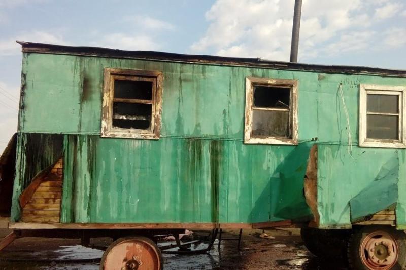 При пожаре в вагончике погиб работник предприятия в Костанайской области