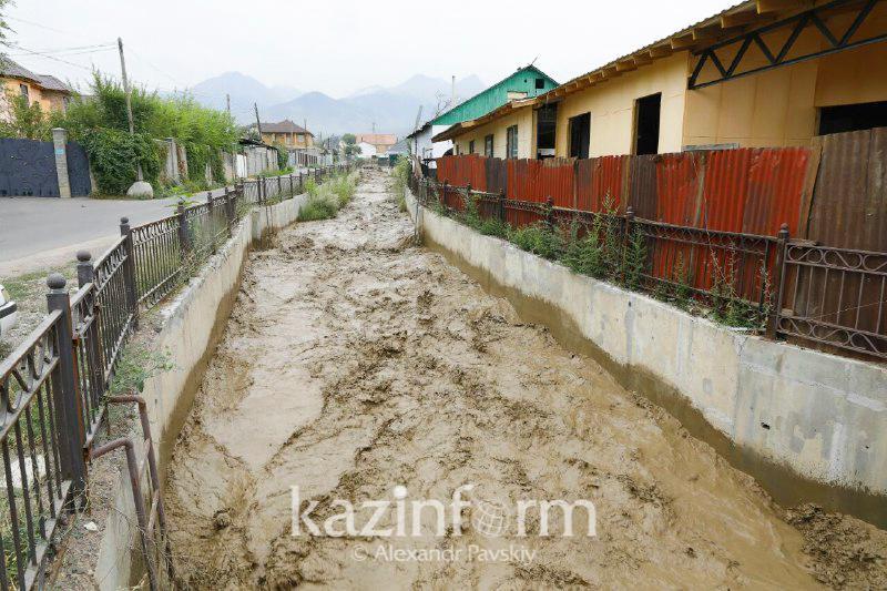 Вода пошла на спад, эвакуации людей не будет - акимат Алматы