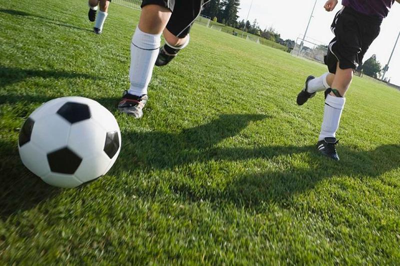 Юных футболистов в столице обкрадывали во время игры на поле