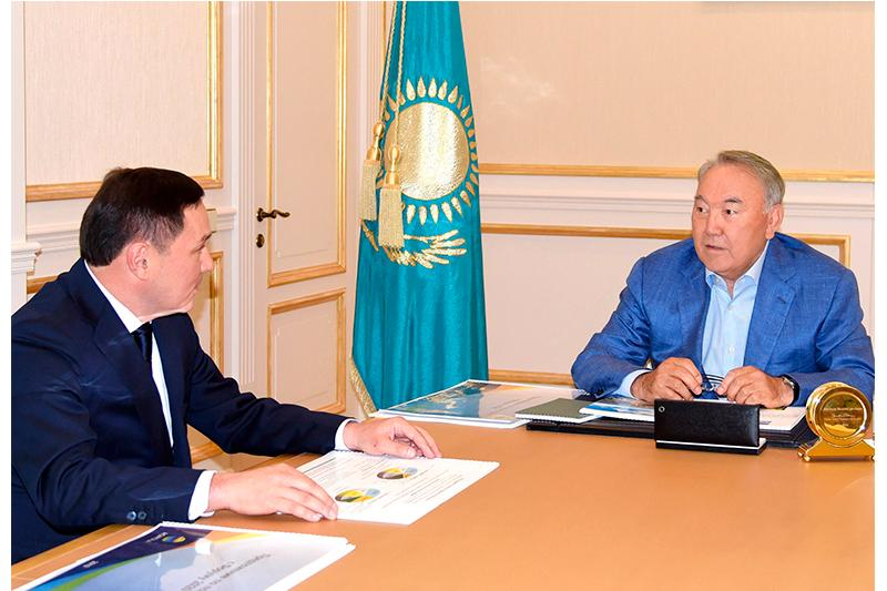 Нұрсұлтан Назарбаев Ақмола облысының әкімі Ермек Маржықпаевпен кездесті