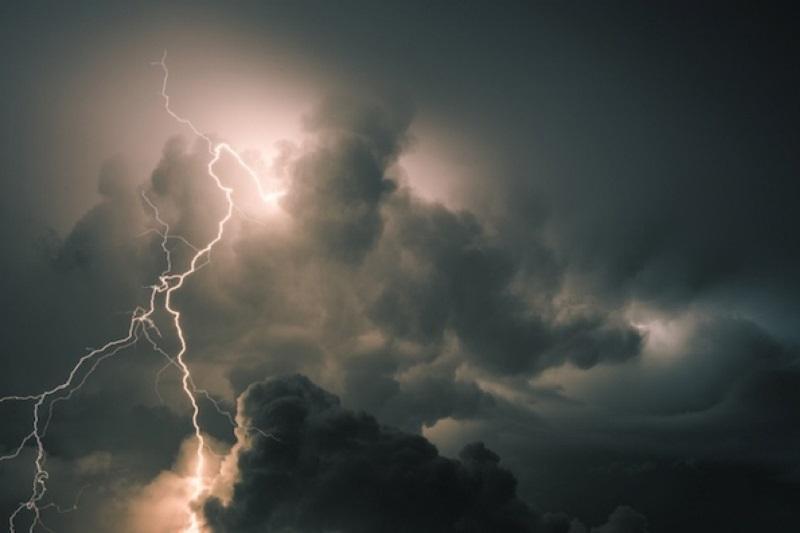 Штормовое предупреждение объявлено в пяти областях Казахстана