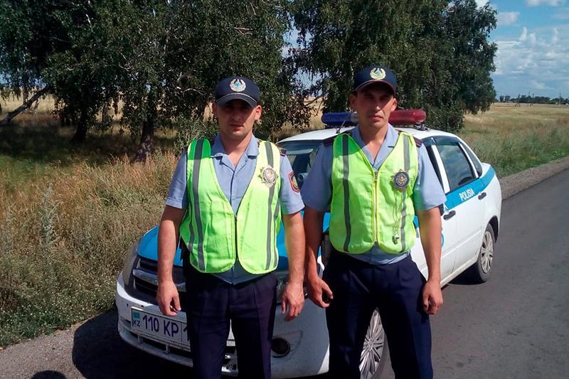 СҚО-да полицейлер екіқабат әйелді ауруханаға апара жатқан тұрғынға көмектесті