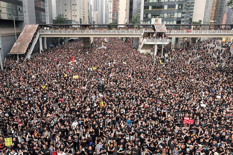 外交部提醒在香港的哈萨克斯坦公民注意安全