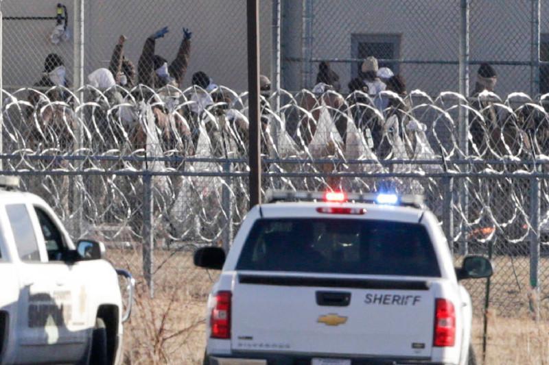 美国监狱斗殴致60人受伤