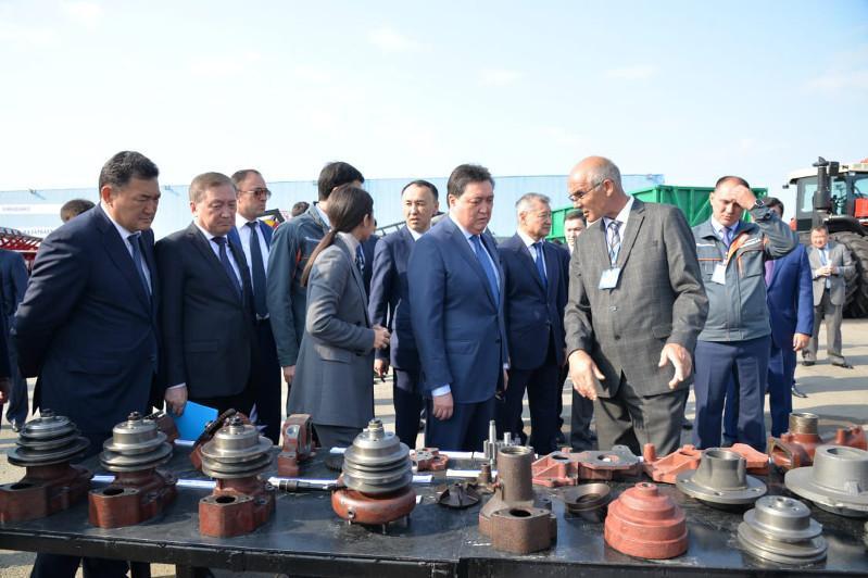 Kazakh PM tours Kostanay region