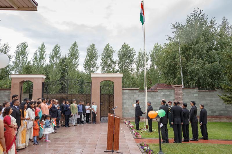 印度驻哈使馆在努尔-苏丹举行独立73周年活动