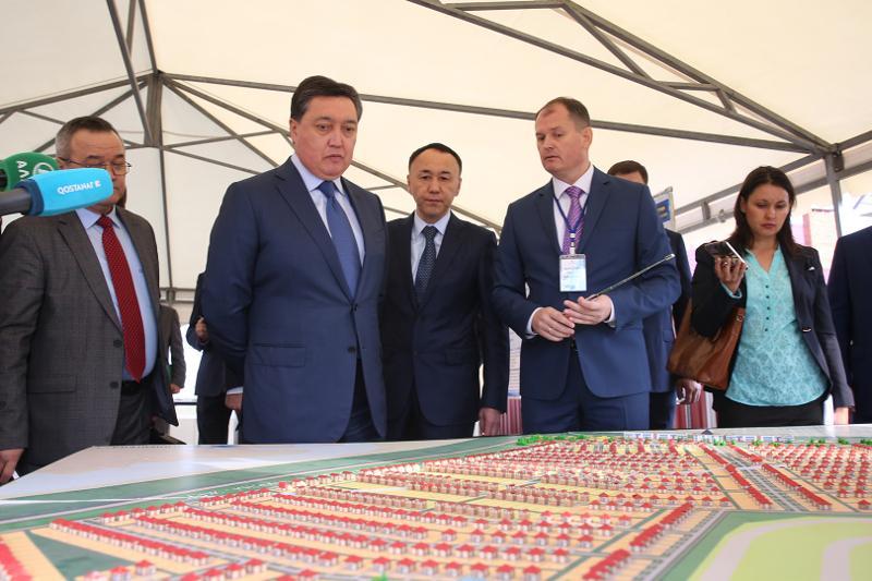 政府总理视察库斯塔奈州工业园区
