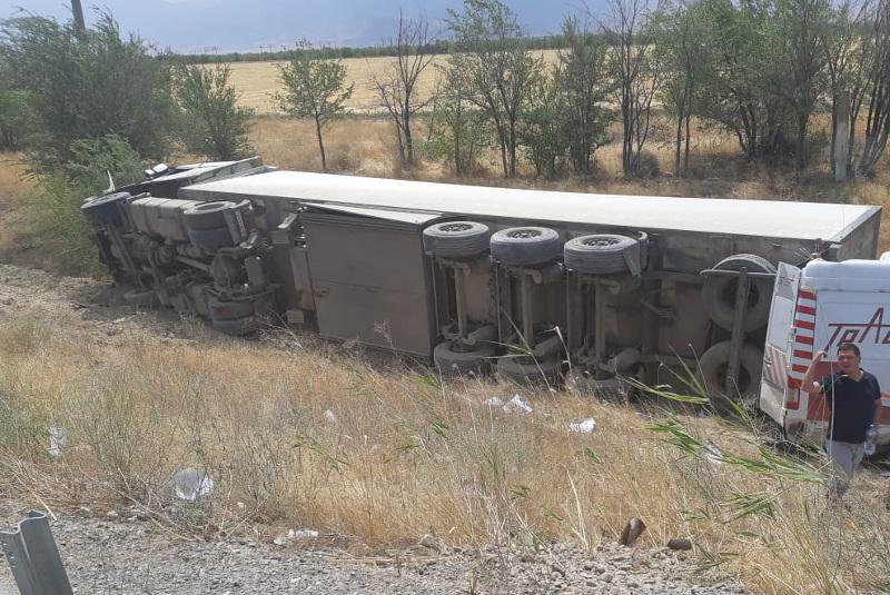 3 killed in road accident in Zhambyl region