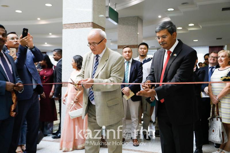 Photo exhibition dedicated to India inaugurated in Kazakh capital