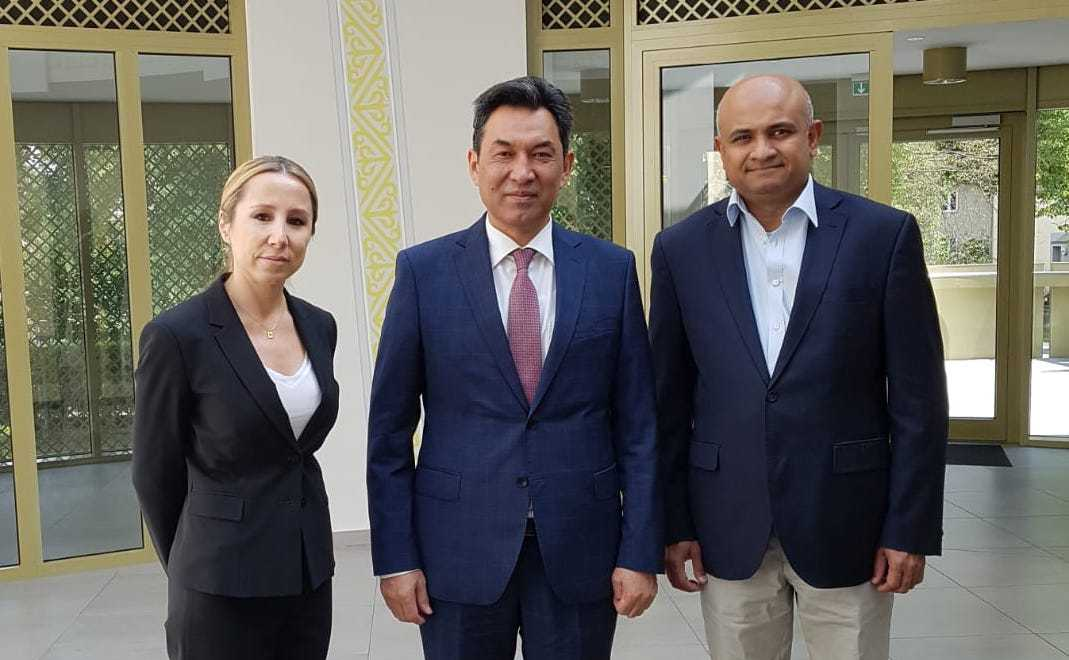 Kazakh Ambassador to Germany, Air Astana executives discuss coop prospects