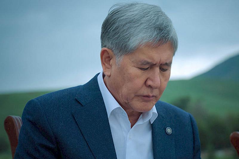 Бишкекский горсуд оставил Атамбаева в СИЗО
