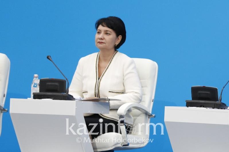 Гүлшара Әбдіқалықова мұғалім мәртебесі туралы заңның қашан қабылданатынын айтты