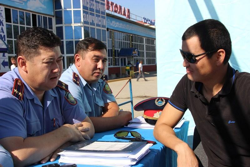 Вопросы регистрации ввезенных из РФ авто разъяснили актюбинским водителям