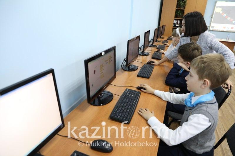 Асхат Аймағамбетов: Мектептерде ақылы олимпиадалар болмауы керек