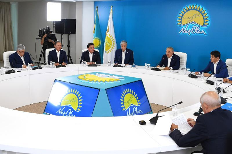 Елбасы призвал всех неравнодушных граждан присоединиться к партии Nur Otan