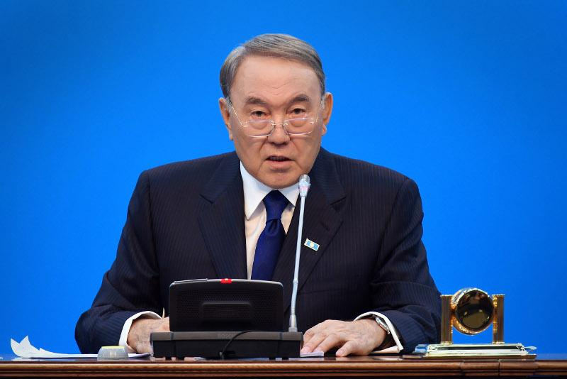 纳扎尔巴耶夫呼吁祖国之光党员积极参与议会选举