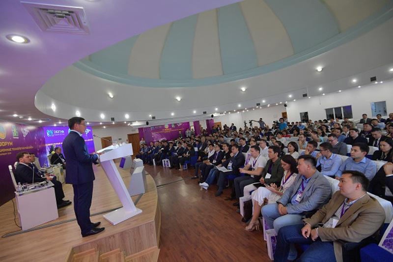 Бионическая рука и распознавание лиц: международный IT-форум прошел в Павлодаре