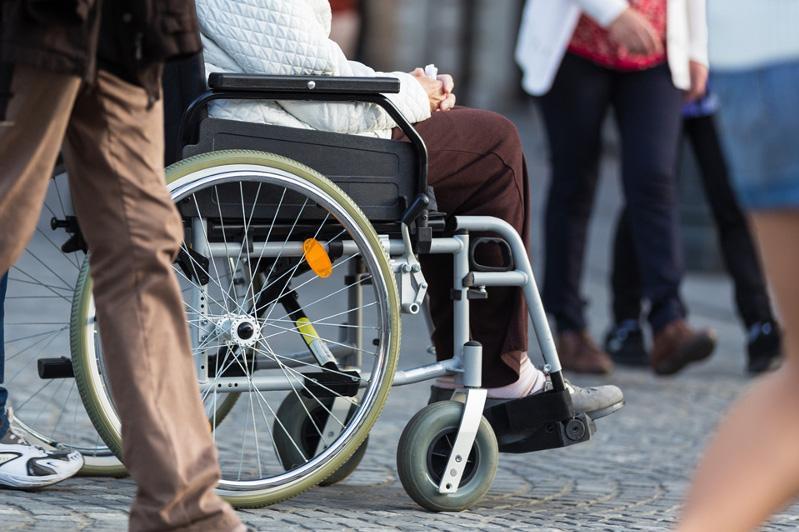 Инвалиды смогут самостоятельно выбирать услуги и средства реабилитации