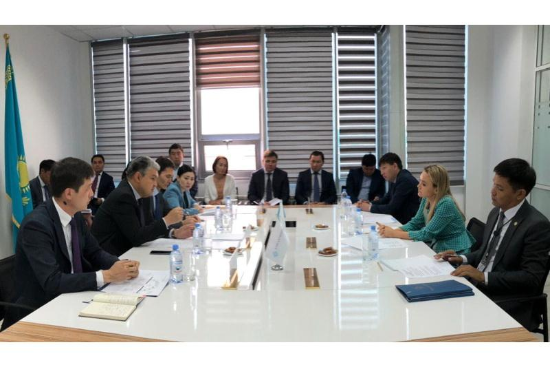 Foreign Ministry, Nur-Sultan Mayor's Office discuss promising investment projects