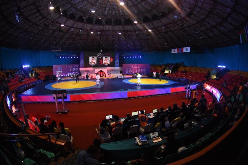 Қазақ күресі: Азия чемпионатында қазақстандықтар үш алтын еншіледі