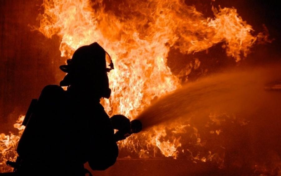 Столичные огнеборцы спасли при пожаре в пятиэтажке пять человек