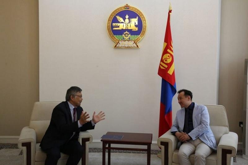 即将离任的驻蒙古国大使会见该国外长