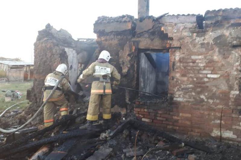 Сосед спас женщину из горящего дома в ВКО
