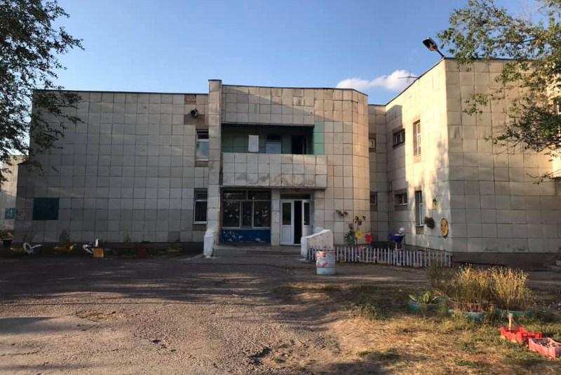 Скандальный детский лагерь в Караганде закроют и выставят на торги