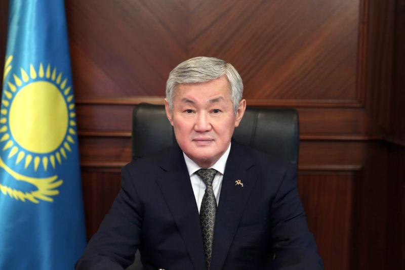 总统任命萨帕尔巴耶夫为新任政府副总理