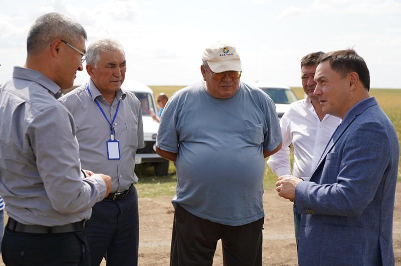 Ермек Маржикпаев побывал на полях Егиндыкольского района