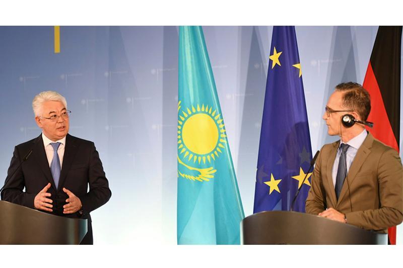 哈萨克斯坦外长阿塔穆库洛夫正式访问德国