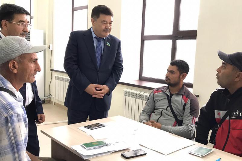 Мәжіліс депутаттары Жамбыл және Қарағанды облыстарына сапармен барды