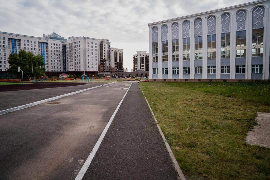 Алтай Кульгинов посетил школу с протекающей крышей и слабым отоплением