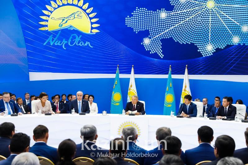 纳扎尔巴耶夫:所有选举将在宪法范围内举行