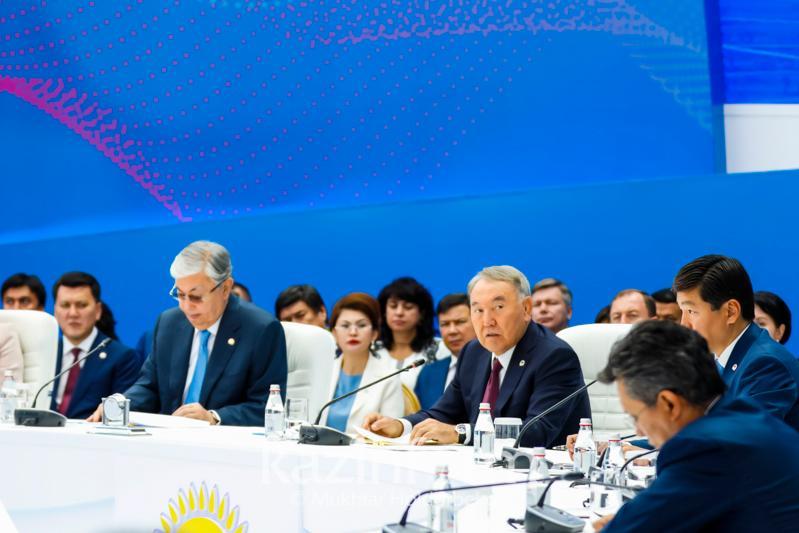 Нурсултан Назарбаев: Партия не должна дублировать работу Правительства