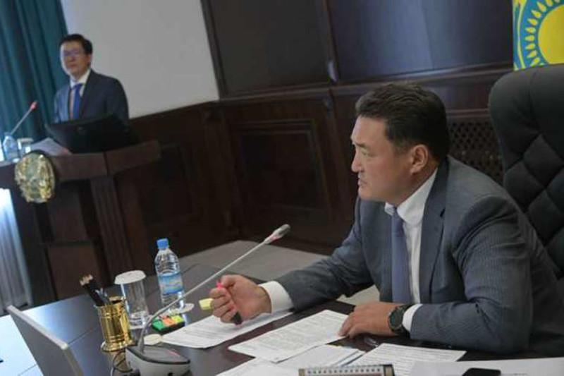Павлодар облысының әкімі Білім басқармасының басшысына сөгіс жариялады
