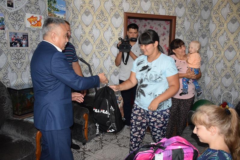 71 ребенка собрали в школу полицейские в Акмолинской области