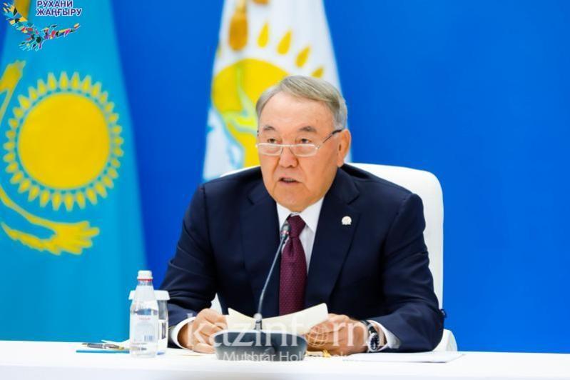 Нұрсұлтан Назарбаев: Зиялы қауымды рухани мәселелерді шешуге жұмылдыру керек