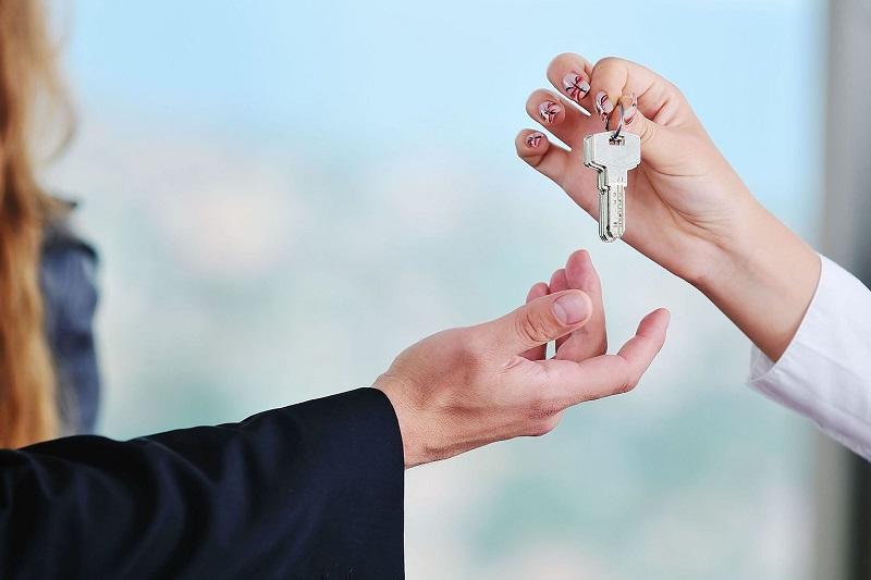 На 54 млн тенге обманула мошенница жителей ЗКО, обещая дешевое жилье