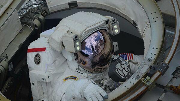 NASA астронавтары ашық ғарышқа шықты