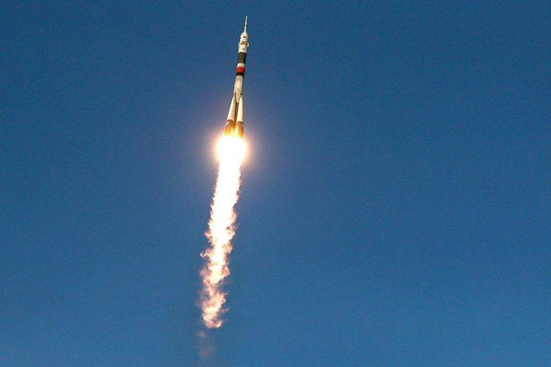 Soyuz-2.1a rocket blasts off from Baikonur to deliver Russian robot to space