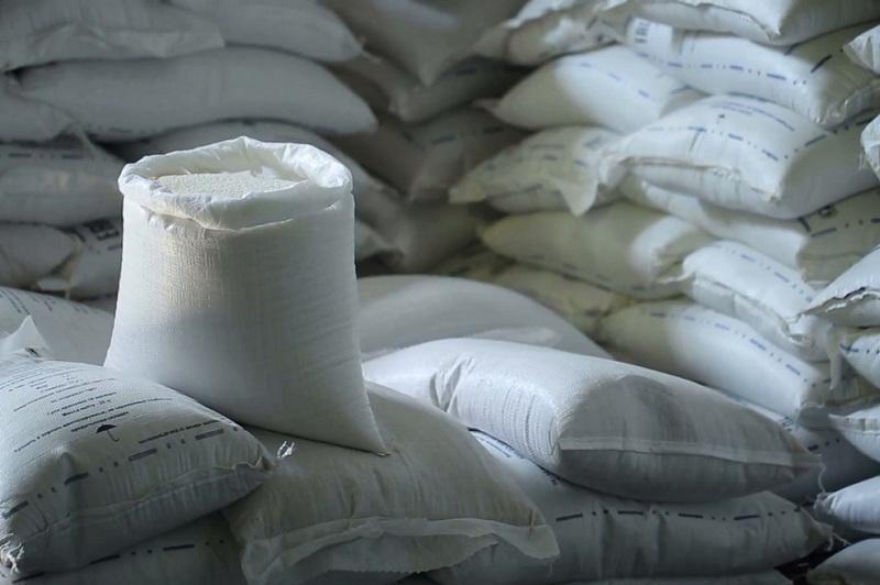 Не имеющему ПМЖ лицу завезли более 800 тонн сахара из России