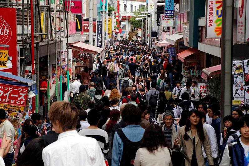 832 foreigners lose Japanese residency status