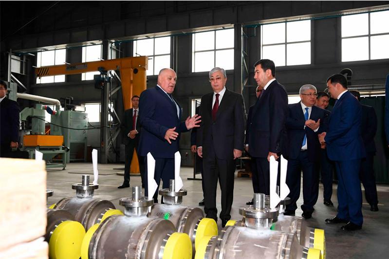 Глава государства посетил СЭЗ «Сарыарка» в Карагандинской области