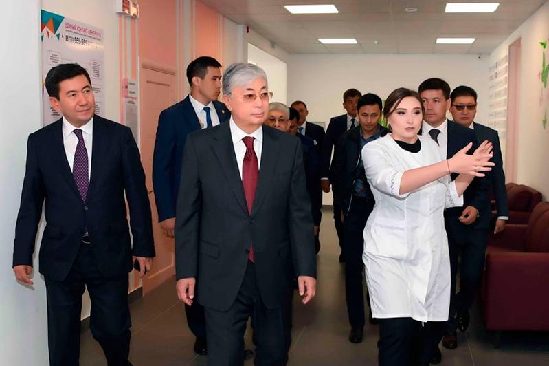 总统参观皮里沙赫庭斯克新建医院