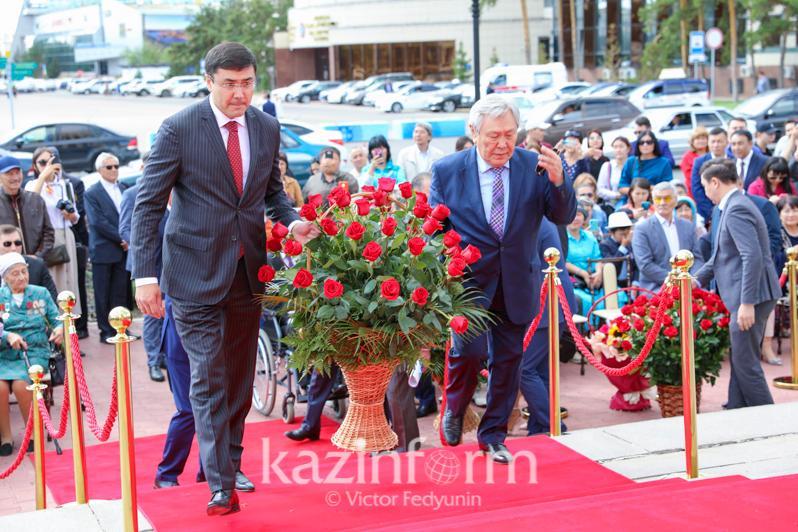 В столице почтили память Абая Кунанбаева